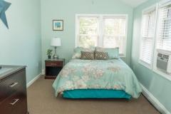 Queen-Bedroom_4-BR-Guest-House